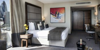 London Birthday Luxury Deluxe hotel B&B