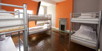 Newcastle Hen Best on Budget hotel B&B