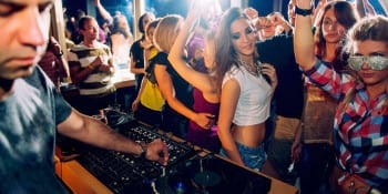 Bristol Party Deluxe Drink Dine and Dance  Package Deal