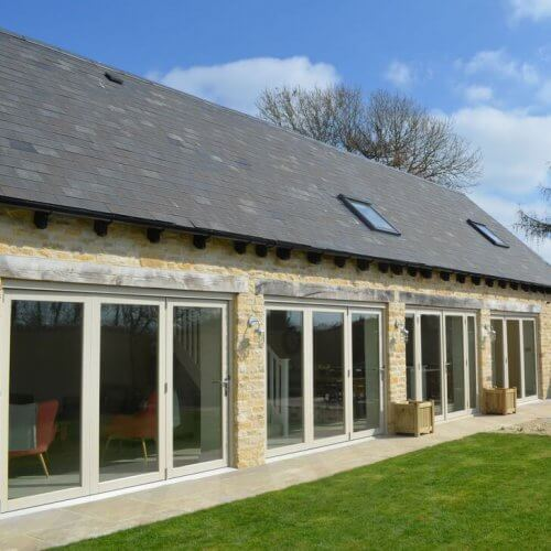 Hen Cotswold Contemporary Barn Party House