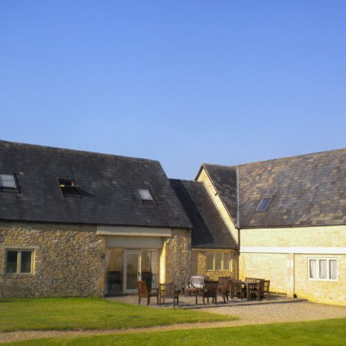 Hen Cotswolds Farmhouse Barn Party House